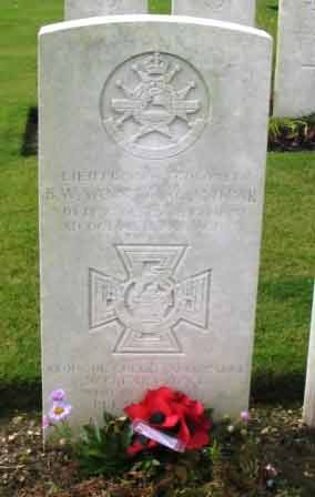 Col Vann's Grave at Bellicourt